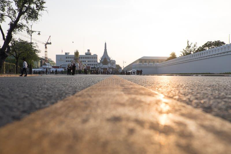 Пол дорожного покрытия города с восходом солнца стоковая фотография rf
