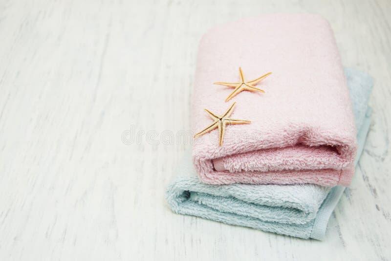 Полотенца ванны хлопка стоковые фотографии rf