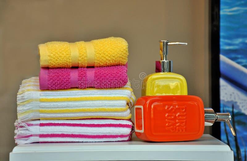 Полотенца ванны стоковое изображение rf
