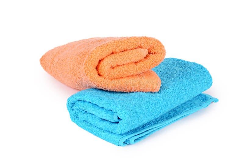 Полотенце ванны на белизне стоковые фото
