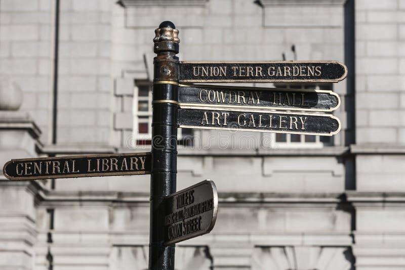 Подписывает внутри город Абердина, Шотландию стоковые изображения rf