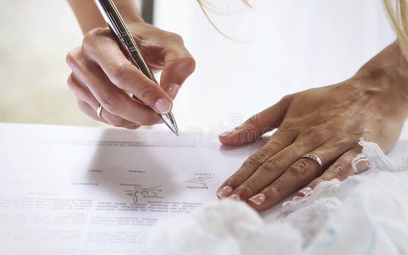 Подпись ` s невесты стоковые изображения