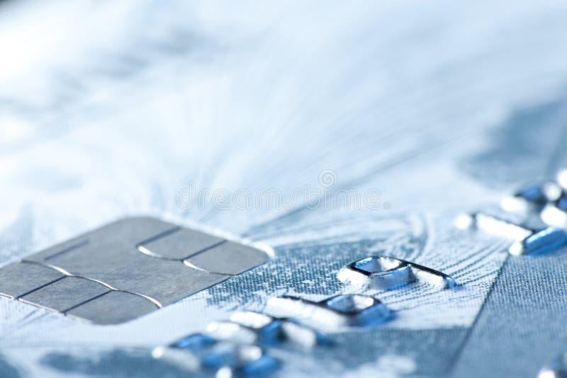 Подрезанный раздел кредитной карточки с селективным фокусом стоковые фото