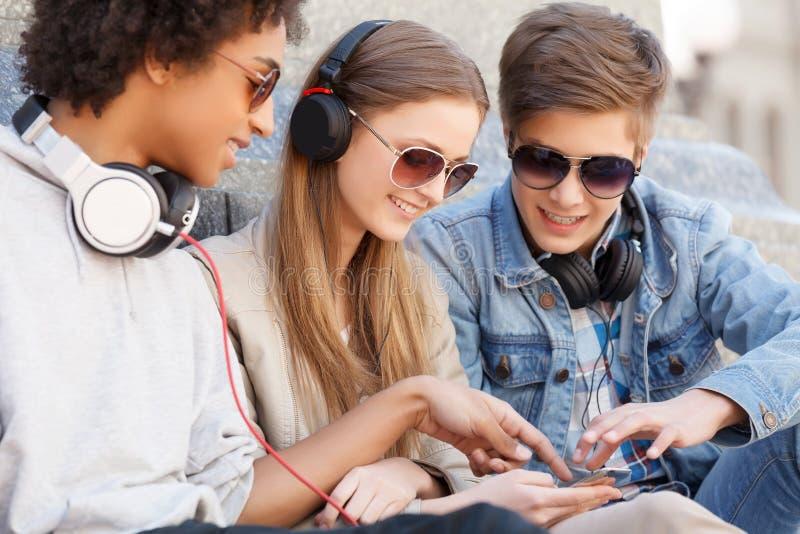 Подростковые друзья. стоковые изображения rf