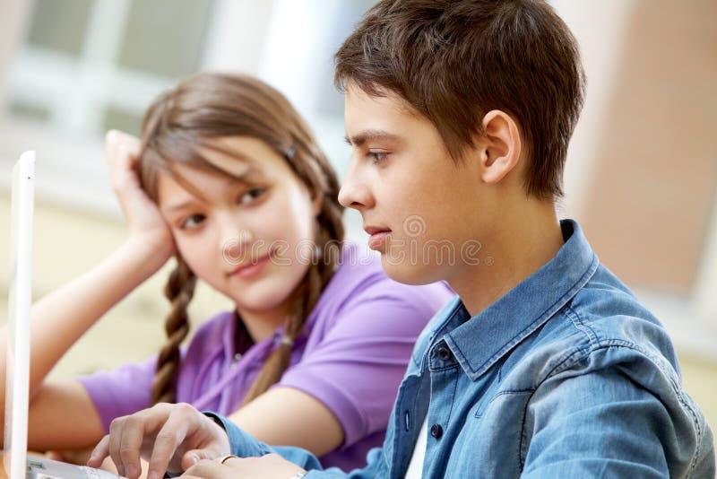 Подруги по школе стоковое изображение rf