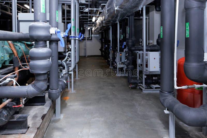 Подсистема чистки воздуха на заводе Solopharm стоковые фотографии rf