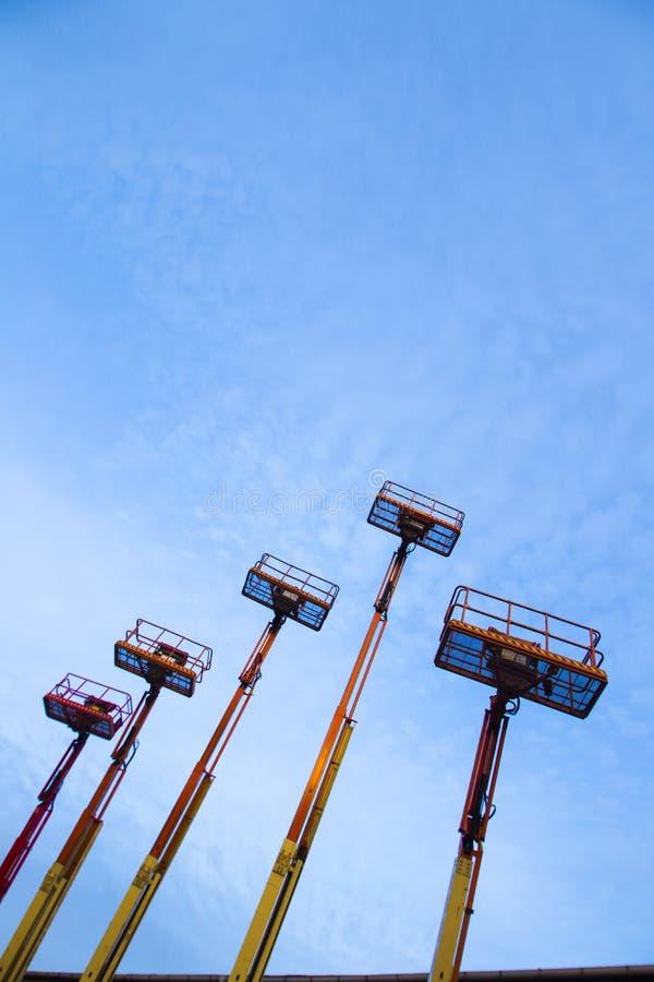 Подъемы и голубое небо 2 стоковое фото rf