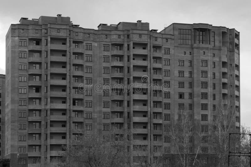подъем дома конструкции высокий стоковое фото