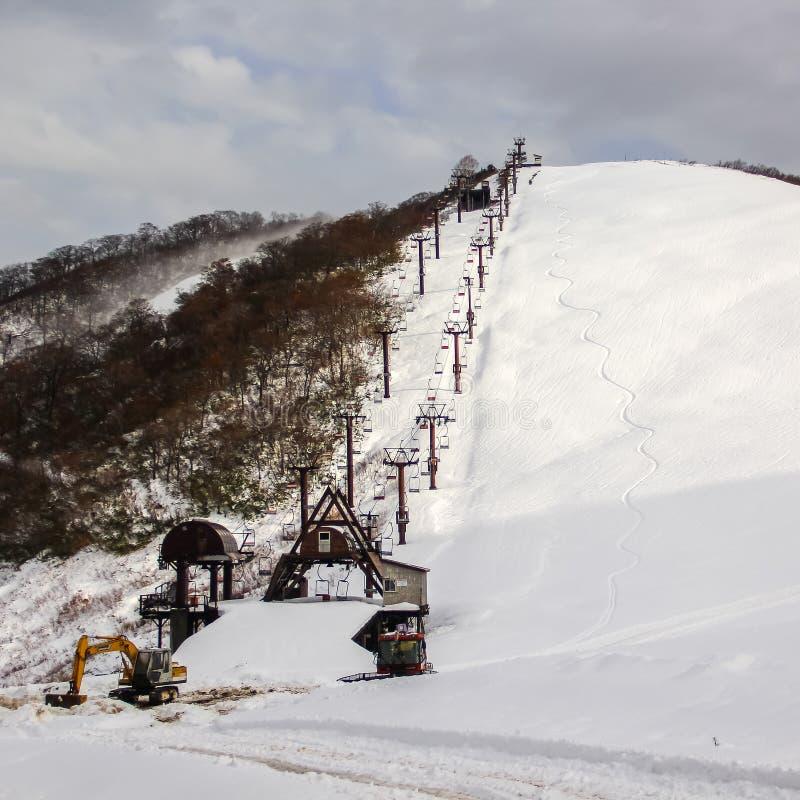 Подъем стула лыжи стоковые фото