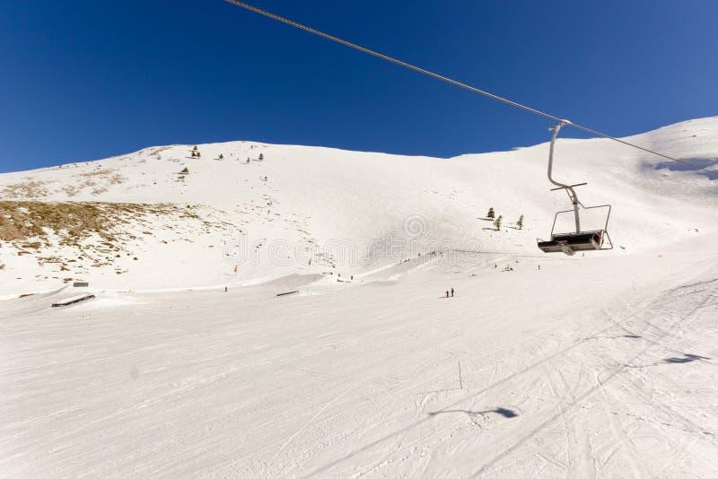 Подъем лыжи на лыжный курорт стоковые фотографии rf