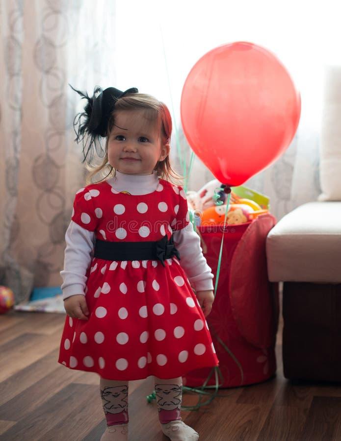 полька девушки платья многоточия стоковое изображение rf