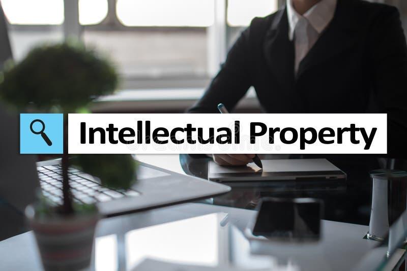 Права интеллектуальной собственности патент Дело, интернет и концепция технологии стоковая фотография rf