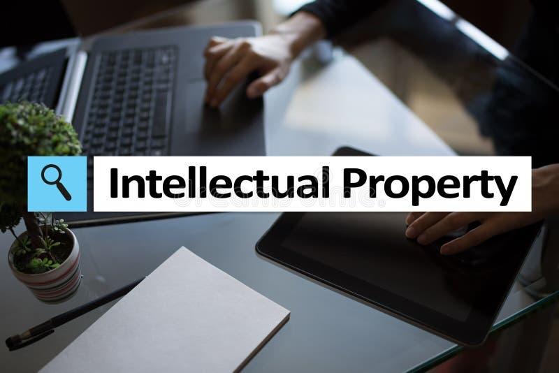 Права интеллектуальной собственности патент Дело, интернет и концепция технологии стоковая фотография