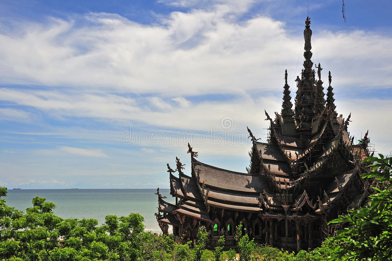 правда Таиланда святилища pattaya стоковые фотографии rf
