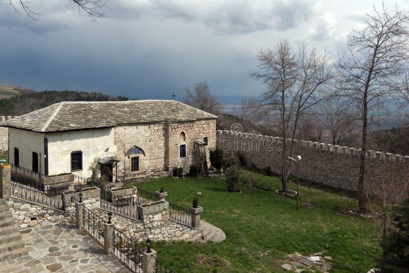 Правоверный средневековый St Kosma монастыря Kuklen и St Damyan стоковые изображения
