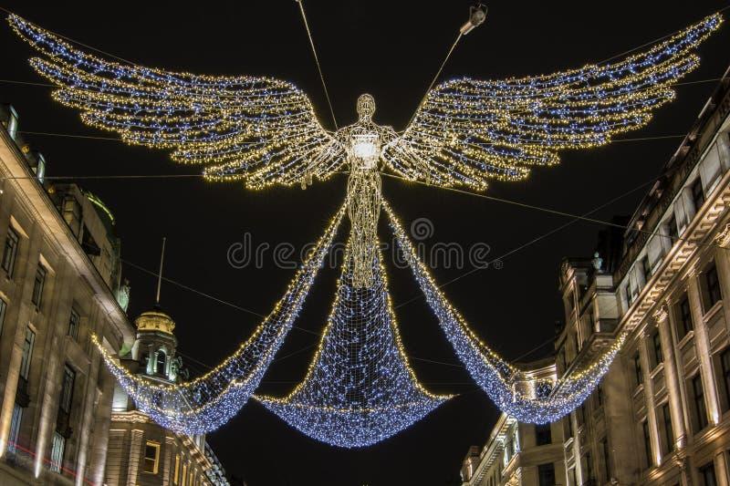 Правящие света рождества улицы в Лондоне стоковые фото