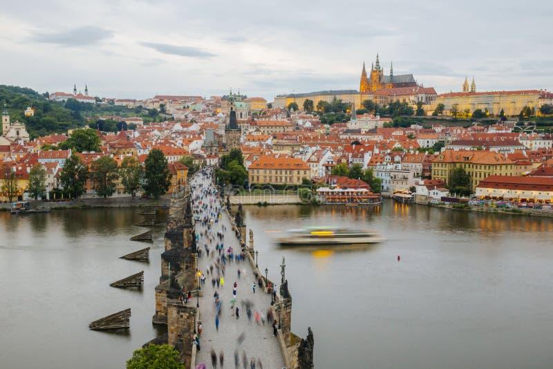 Прага и Карлов мост стоковые фото