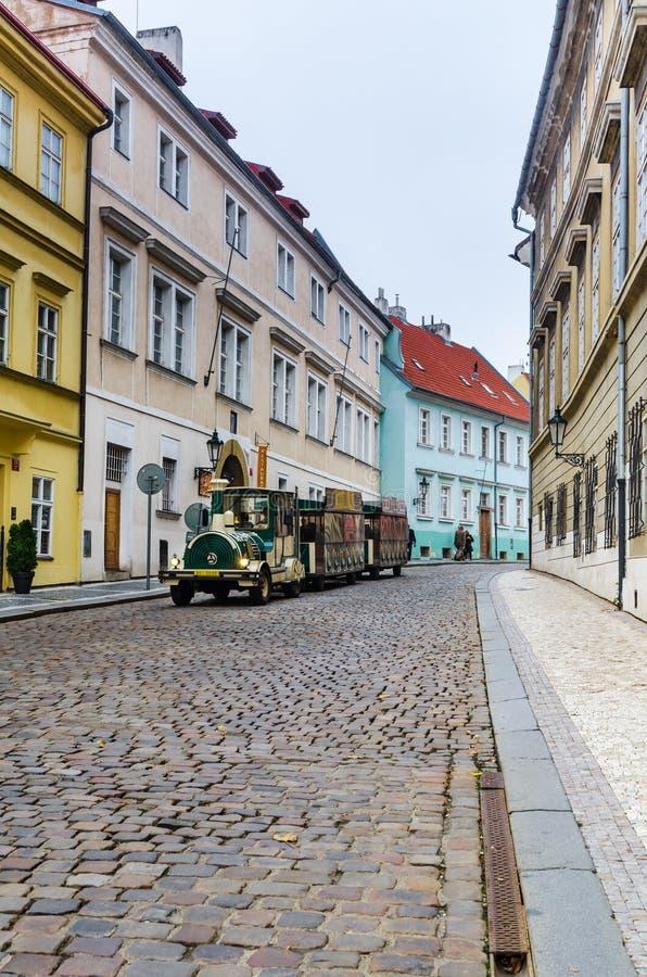 Прага, средневековая улица, чехия стоковая фотография