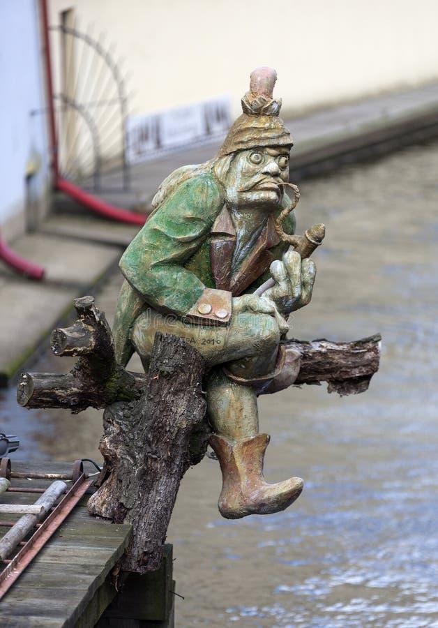 ПРАГА, ЧЕХИЯ - 23-ЬЕ ДЕКАБРЯ 2015: Фото статуи Kabureka стоковые фото