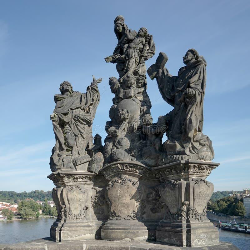 ПРАГА, ЧЕХОСЛОВАКСКОЕ REPUBLIC/EUROPE - 24-ОЕ СЕНТЯБРЯ: Статуя Святых стоковая фотография rf