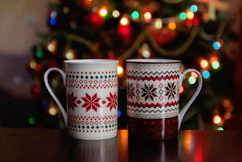 праздники, рождество, зима, еда и концепция пить - близкое поднимающее вверх стоковые изображения
