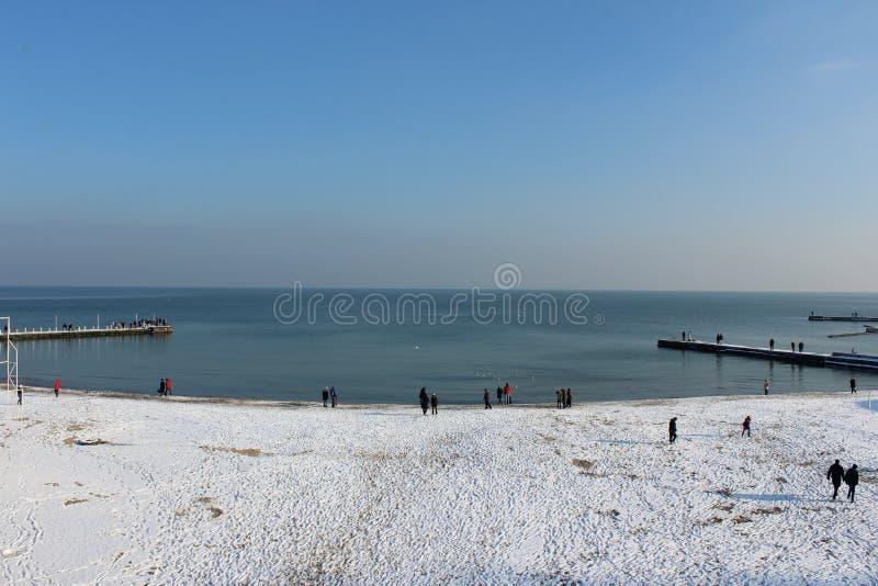 Праздник моря и прогулка отключения к завтраку моря на береге стоковая фотография
