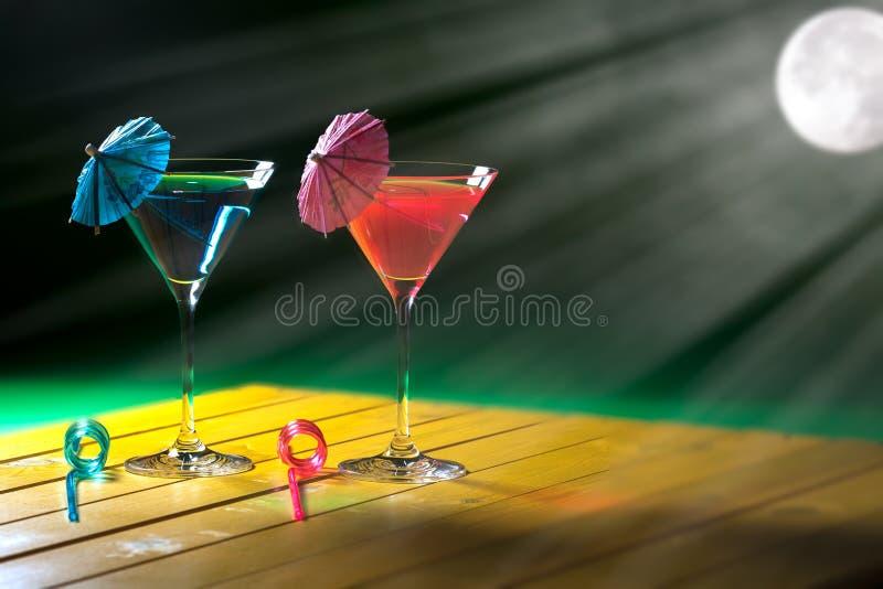 Праздник Romance Романтичные пить коктеиля партии каникул луной стоковые изображения