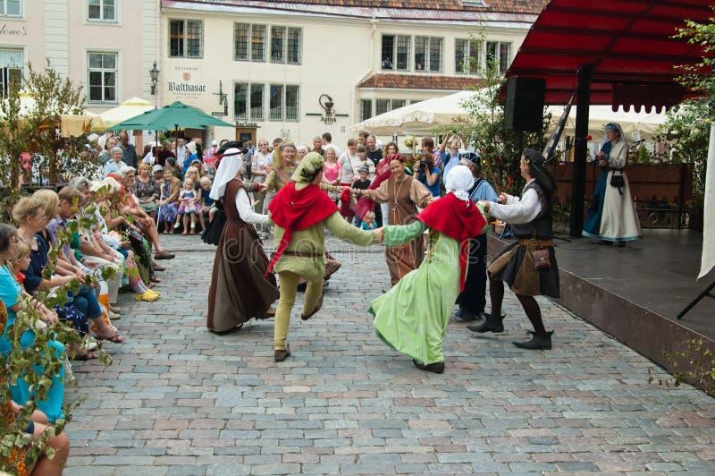 Праздновать дней средние возрасты в Tallinn стоковая фотография rf