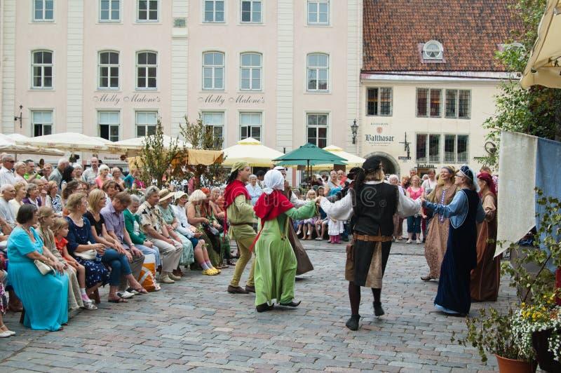 Праздновать дней средние возрасты в Tallinn стоковые фото