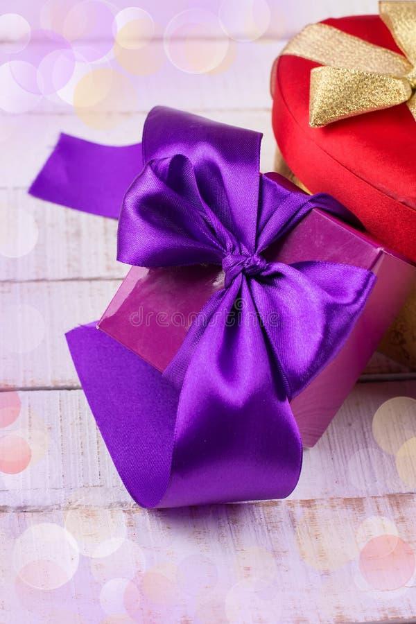 Праздничные подарочные коробки стоковая фотография