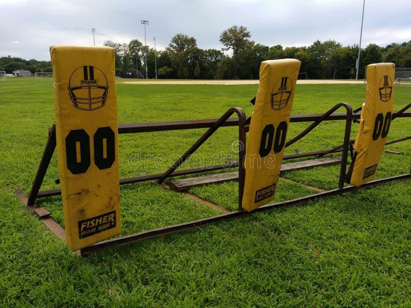 Практика футбола преграждая скелетон стоковые фотографии rf