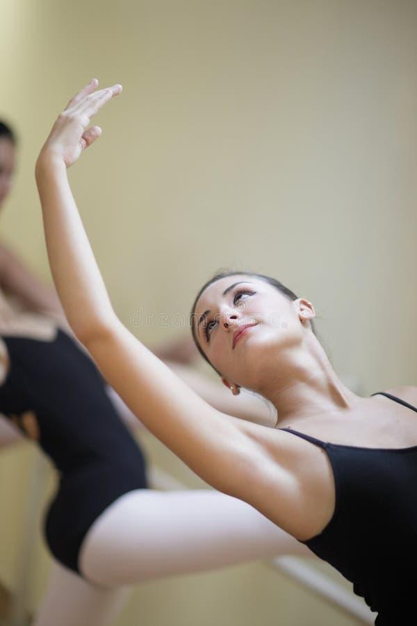 практиковать балета балерины стоковое изображение rf