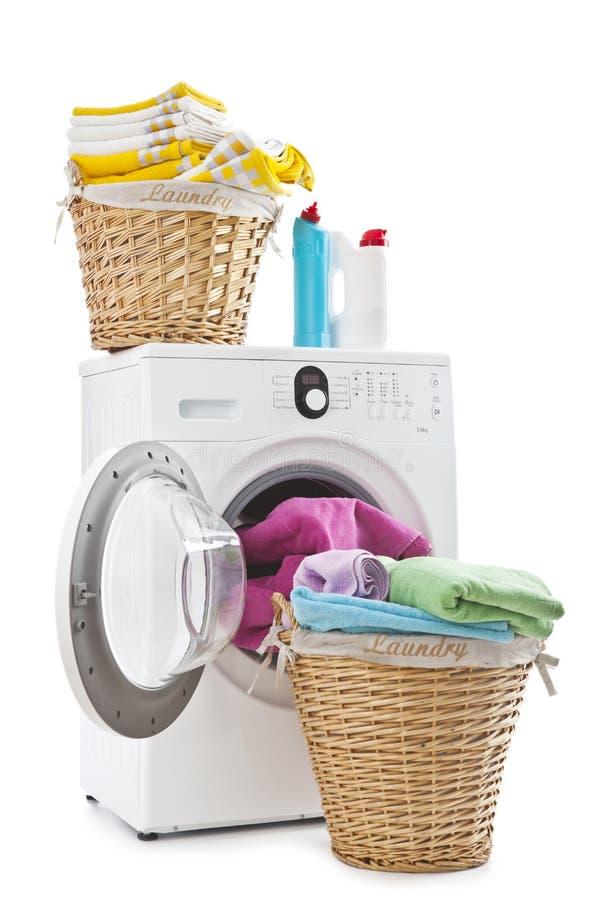 Прачечный и стиральная машина стоковые фото