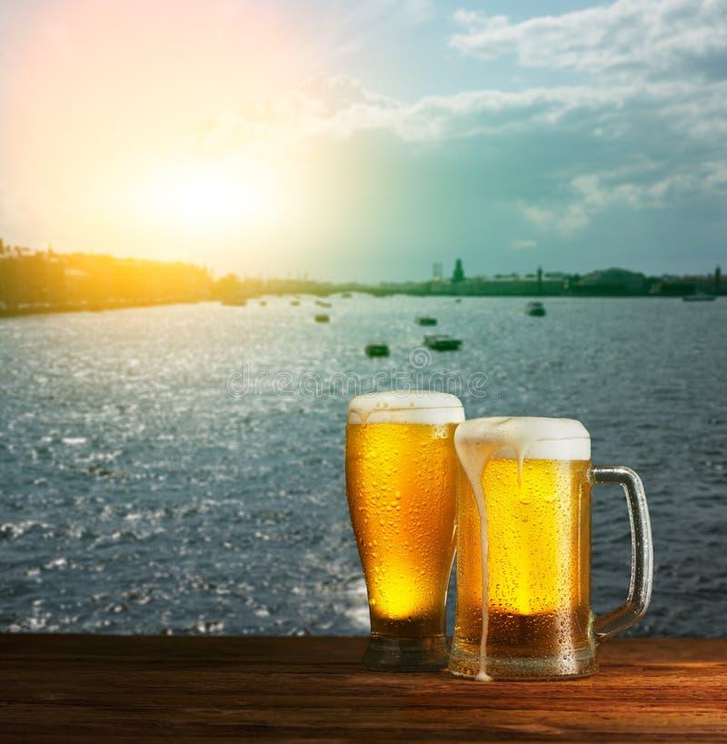 Превосходное пиво стоковые изображения rf