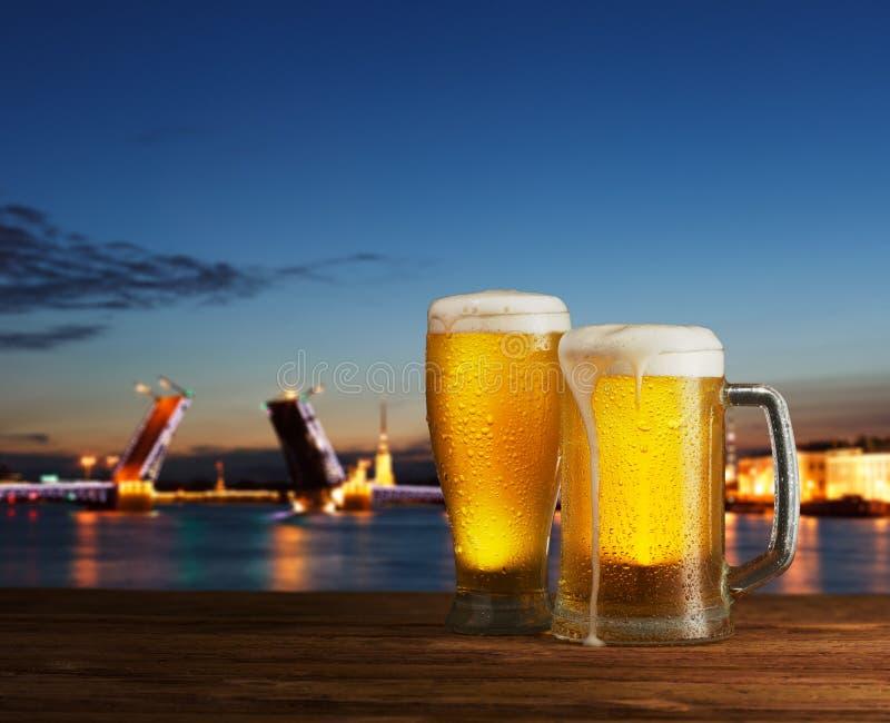Превосходное пиво стоковое изображение rf