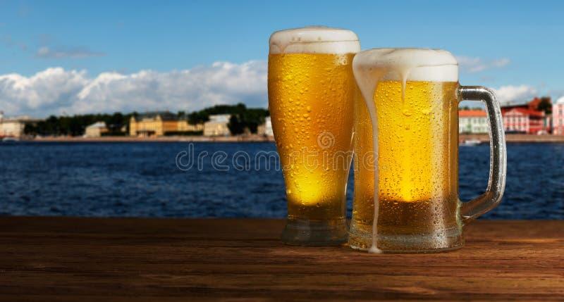 Превосходное пиво стоковое фото rf