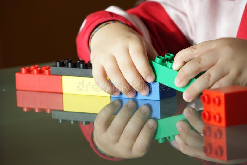преграждает играть ребенка стоковое фото rf