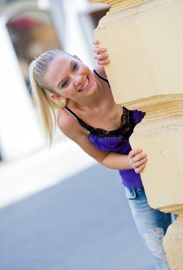 предназначенное для подростков девушки счастливое стоковое фото