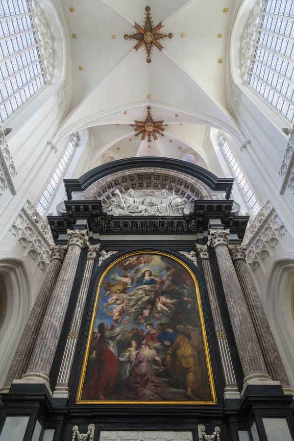 Предположение девственницы - собор нашей дамы - Антверпен - бел стоковое изображение