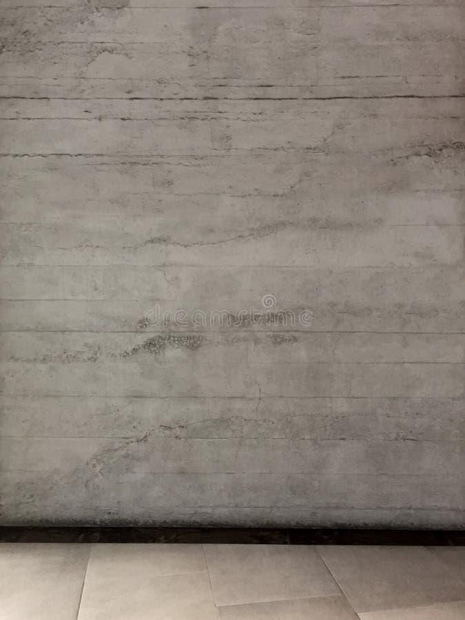 Предпосылка бетонной стены с кафельным полом стоковое фото rf