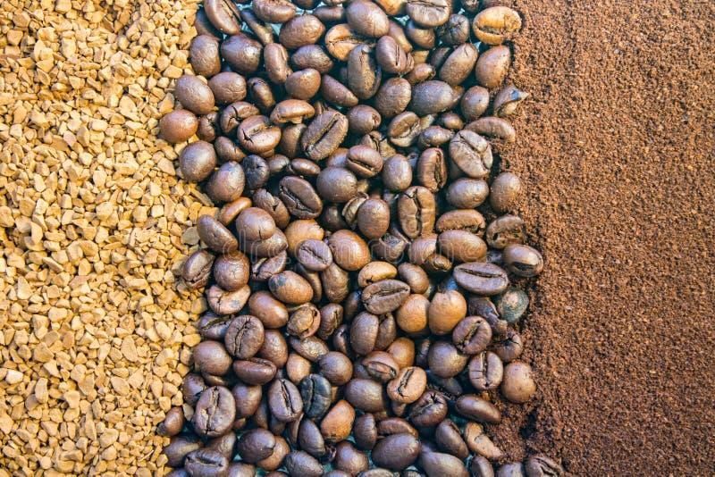Предпосылка 3 видов кофе, земли, фасолей и момента времени стоковое изображение rf