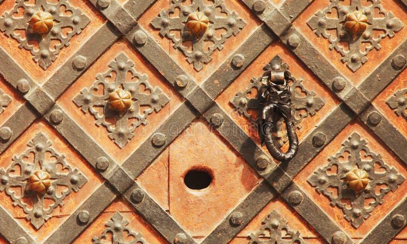 Предпосылка двери металла средневековая винтажная стоковая фотография rf