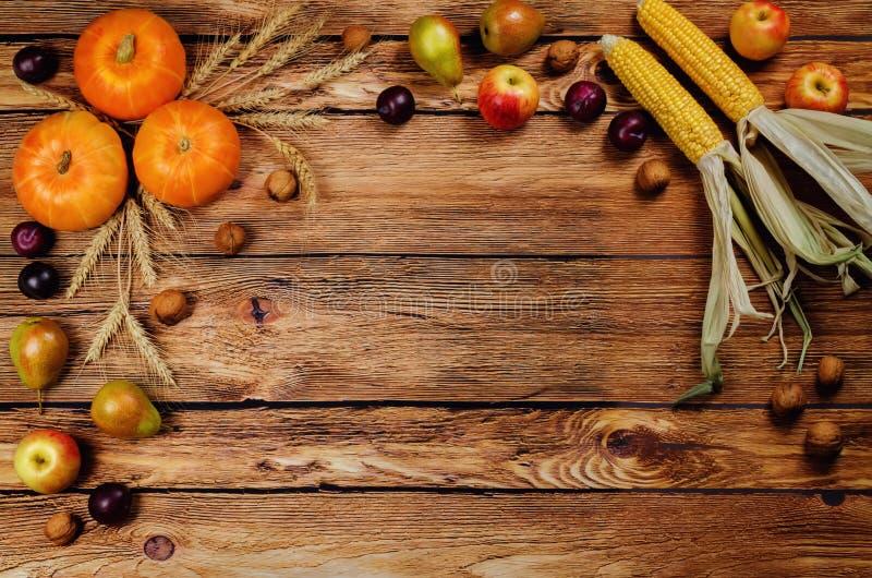 Предпосылка древесины овоща и плодоовощ осени стоковые изображения