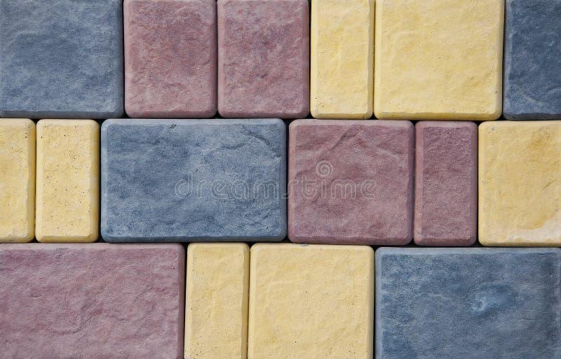 Предпосылка и текстура кирпичей на стене Отказы Повреждение разрезов бесплатная иллюстрация