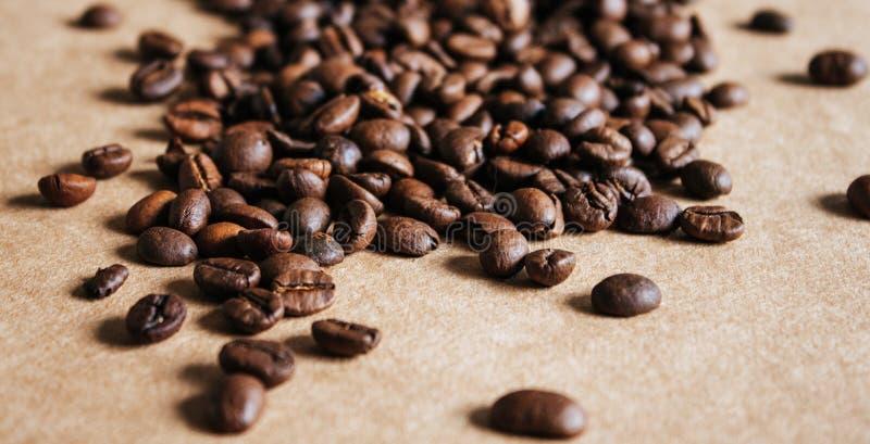 Предпосылка кофейных зерен стоковые фото