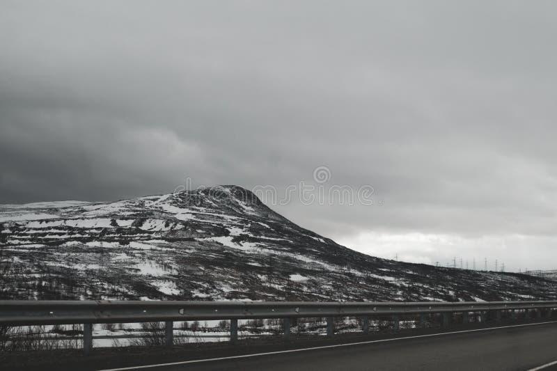 Предпосылка ландшафта горы снежные холмы стоковое фото