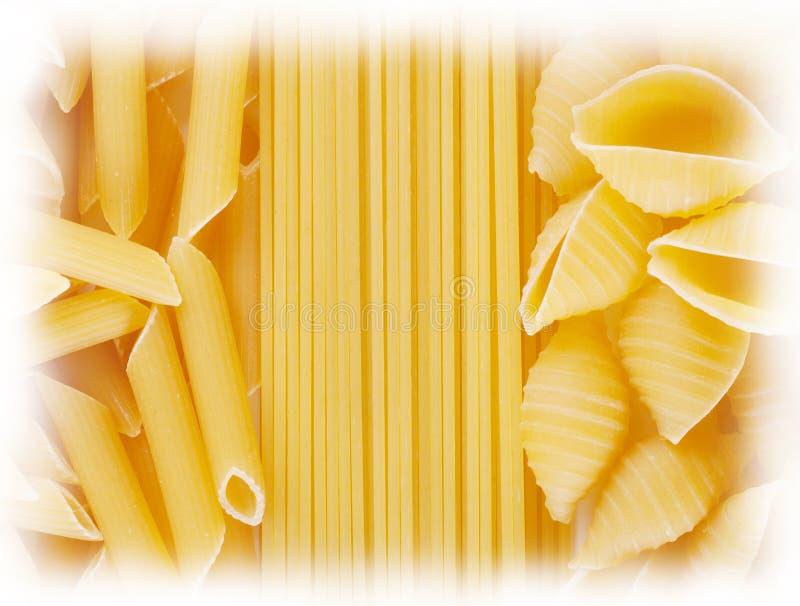 Предпосылка макаронных изделий спагетти переплетенных и прямых стоковое изображение