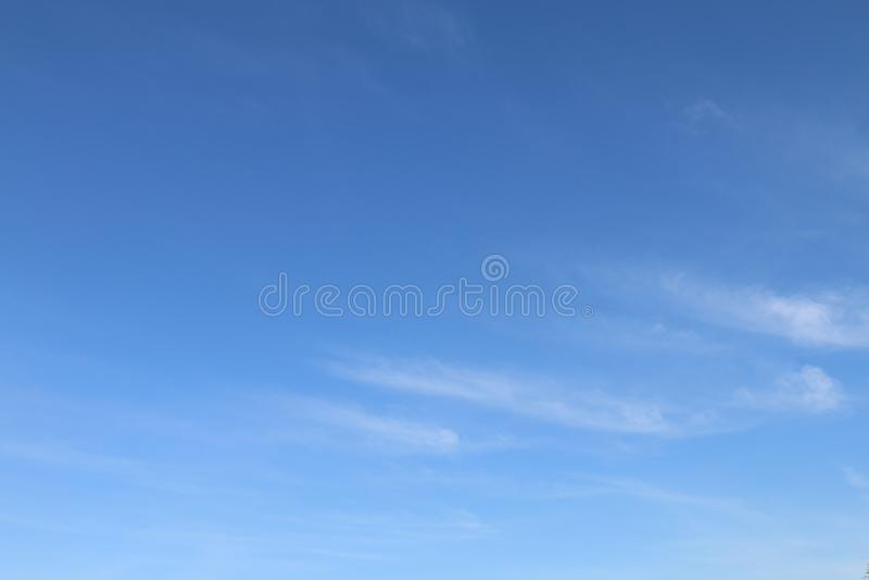 Предпосылка неба, небо ясности голубое стоковые изображения