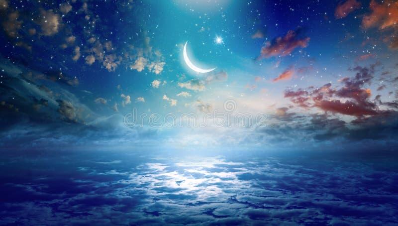 Предпосылка Рамазан Kareem с полумесяцем и звездами стоковое изображение
