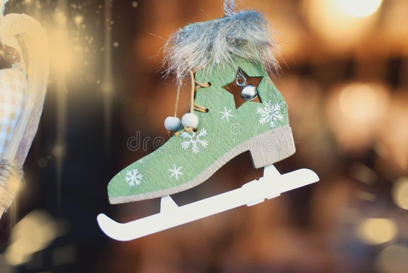 Предпосылка рождества - орнаменты рождественской елки стоковое изображение rf